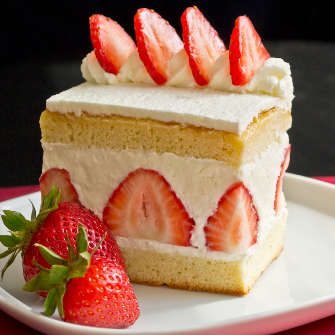 Strawberry Sponge Cake Anime
