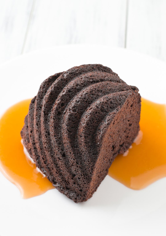 Chocolate Ginger Cake w/ Bourbon Butter Caramel Sauce | The Catalyst ...
